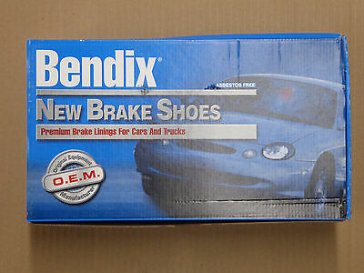 514 FITS VEHICLES ON CHART BRAND NEW BENDIX GLOBAL REAR BRAKE SHOES RS514