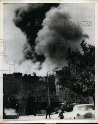 1973 Press Photo Smoke From Burning Building At Syria After Israeli Bombing