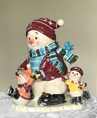 """Waterford Holiday Heirlooms """"Snowy Village Holidays On Ice"""" Musical Jar"""