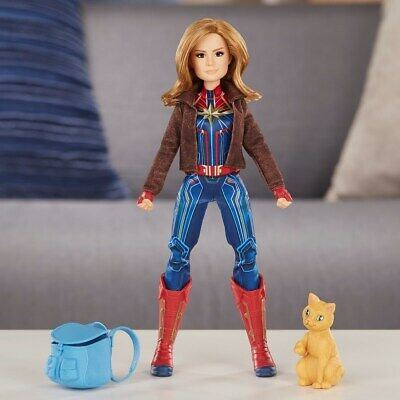Captain Marvel Deluxe Hero Doll with Marvel's Goose [Toy]