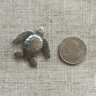 Needlepoint Needlework Quilting Cross stitch needle minder magnet Sea Turtle
