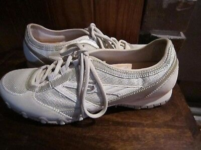 womens SKECHERS walking casual comfort wear style shoes SZ US 10 UK 7