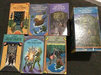 CS Lewis CHRONICLES OF NARNIA Boxed Set Slipcase 1970s Collier White