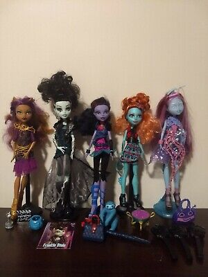 Monster High Dolls, lot of 5, excellent condition with assorted accessories