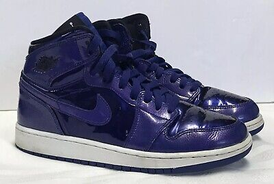 huge selection of 4d6cc b929f Nike Air Jordan 1 Retro High BG Athletic Shoes (Size 6 Y) Style No