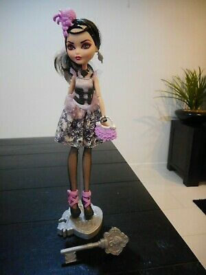 Ever After High Royal Duchess Swan Doll - Rare