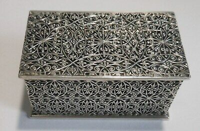 Very Fine Quality Vintage Sterling Silver Reticulated Stamp Box