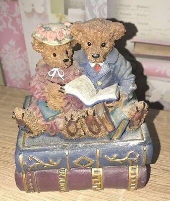 Latex Mould for making this lovely teddys sitting on books