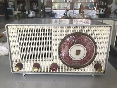 Genuine Vintage Working Radio