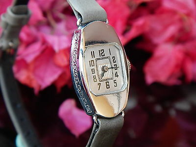 SWISS Women's Watch Antique 1930's with New Leather Band