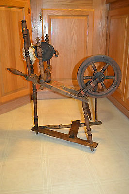 Antique wood Spinning Wheel Primitive Childs Salesman Sample Small size