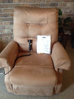 Days Healthcare Electric /lifter Recliner