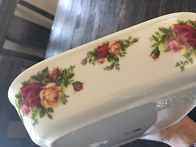"Royal Albert ""Old Country Roses Casserole ,Baking Dish Green Trim 10""1/2X8""1/2"