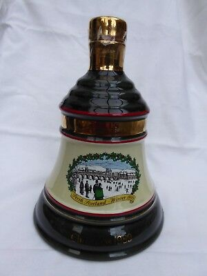 Vintage Collectable Bells Scotch Whisky 1989 Christmas Decanter WADE EMPTY