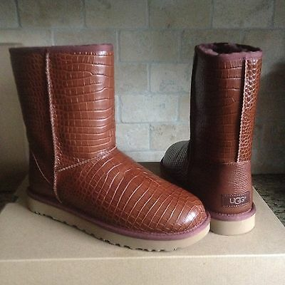 74f5b3d1965 UGG CLASSIC SHORT Croco Spice Leather Sheepskin Short Boots Size US 7 Womens