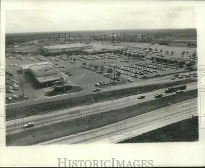 1975 Press Photo Aerial view of Oakwood Shopping Center. - nob15506