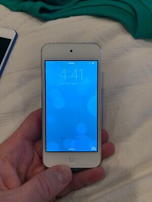 APPLE IPOD TOUCH 5TH GENERATION SILVER - 16 GB A1421 Barely Used