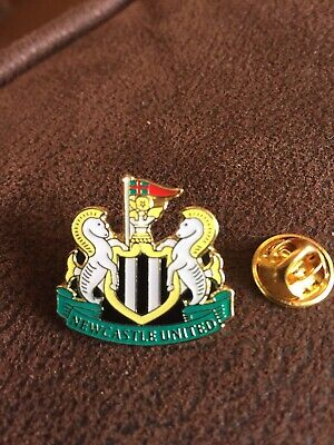 NEWCASTLE UNITED English Football Club Enamel Pin Badge Butterfly Clasp