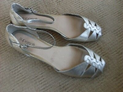 Lovely New   Diana Ferrari Supersoft Ballet Flats, Size 9.5 C.