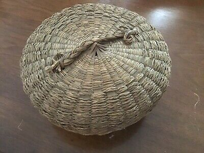"VINTAGE - Chinese Sewing Basket with Lid - Hand Woven Basket - Natural 9"" Dia 5"""