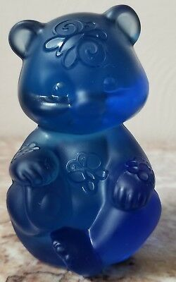 Fenton Sitting Bear Sand Carved Butterflies Cobalt Blue Solid Glass - Rosso OOAK
