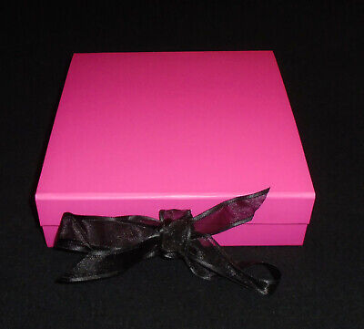 47 X PREMIUM Mini Cupcake Boxes for 9 Cup Cakes. Lace Tie & Magnetic Seal.
