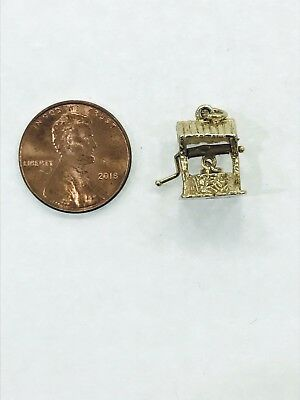 14kt Yellow Gold 3D Moveable Well Pendant Charm