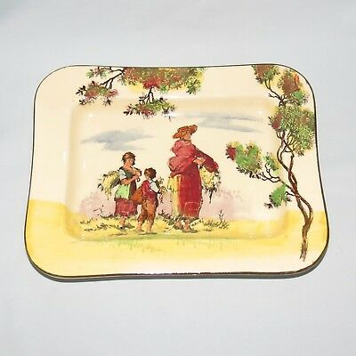 ROYAL DOULTON OLD ENGLISH SCENES THE GLEANERS MELBOURNE SHAPE TRAY d4983