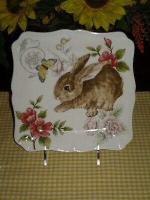 Maxcera Easter Bunny Salad Plates Set Of 4**rabbit Pink Flowers Butterfly New