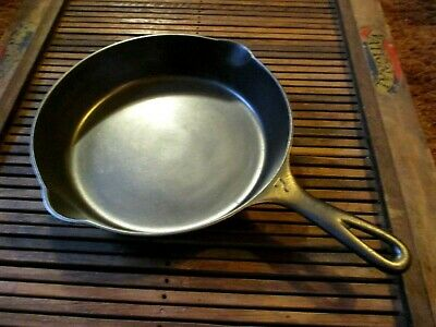 """Griswold #7 Cast Iron Skillet Large Logo Heat Ring 701  """"reconditioned"""""""