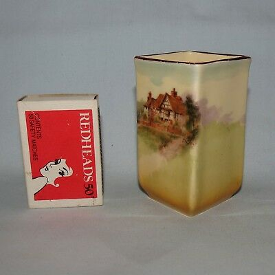 Royal Doulton English Country Cottages toothpick or vase D4987 Shape 7016