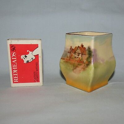 Royal Doulton English Country Cottages toothpick or vase D4987 Shape 7018