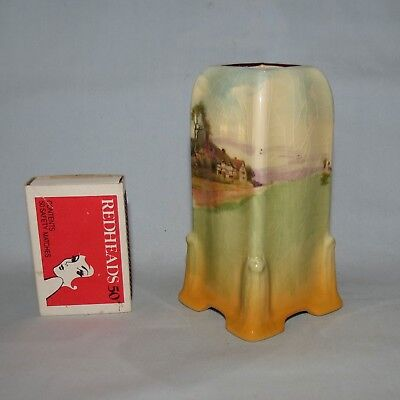 Royal Doulton English Country Cottages vase D4987 Collectable Shape 7349