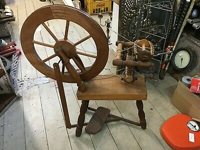 Vintage Old Spinning Wheel Traditional