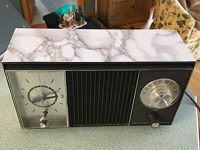 Late 1950's Or Early 1960's General Electric AM Clock Radio.