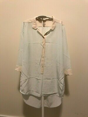 000ed8457e1de Aritzia – Wilfred – Mist Giulia Silk Blouse (Size Small) Worn Once