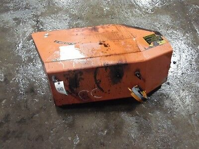 Allis-Chalmers 6140 tractor fenders  Tag #40