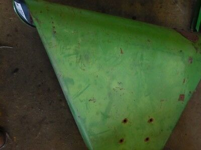 John Deere 10 or 20 series tractor right fender Tag #019