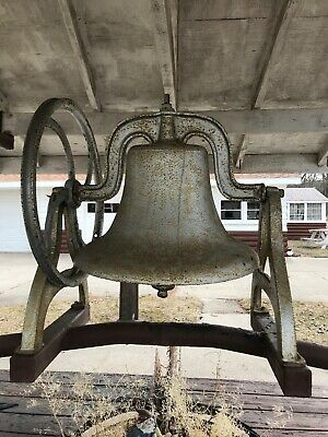 Huge Vintage Antique Cast Iron School Farm Church Bell #26 Yoke With Wheel NICE!