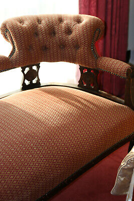 chaise longue victorian style with matching small footstool