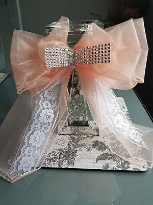 27 x 30 cm Peach Tulle & White Lace Large Handmade Bow Pew Marquee Chair Back