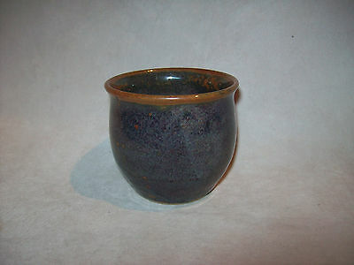 Redbyrne Potteries Shepparton - small 6.5cm pot - stamped underneath