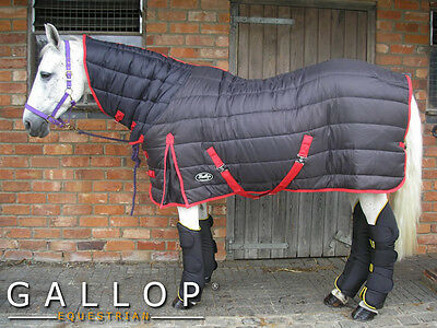 The Wyoming Maverick 300g (h/weight) Combo Stable Rug.Integral neck - max warmth