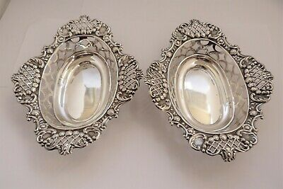 1903 - PAIR OF SOLID SILVER - WALKER & HALL - BON BON DISHES - 101.6 grams