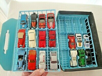 Vintage Collection 18 Matchbox Hot Wheels Tomica Majore Cars w/Case hold 24 Cars