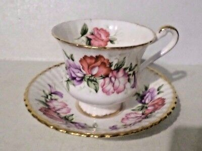 Beautiful Paragon Fine Bone China England Floral Pattern Tea Cup With Saucer