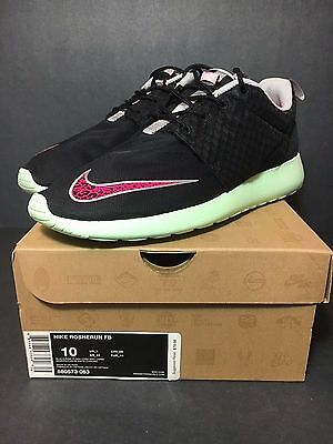8ae9717d0447 Ds New Nike Roshe Run Fb Yeezy Size 10 Team Trophy Gold Mint Rosherun Qs One