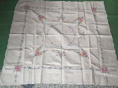 Vintage Hand Embroidered TABLE CLOTH SIX NAPKINS