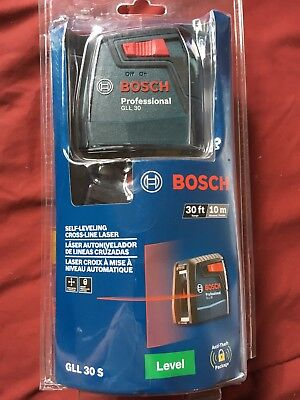 NEW!!  BOSCH 30 ft. Self Leveling Cross Line Laser Level GLL 30 S