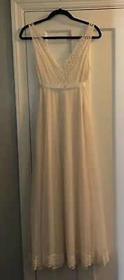 Vintage Vanity Fair Sz 36 Long Gown Sleeveless Negligee White Lace Sheer Bridal